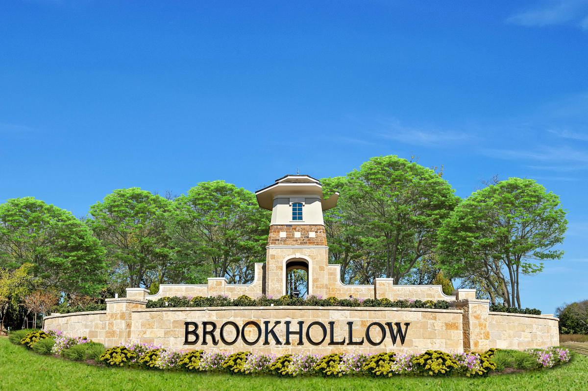 Lakewood at Brookhollow - Main Entrance